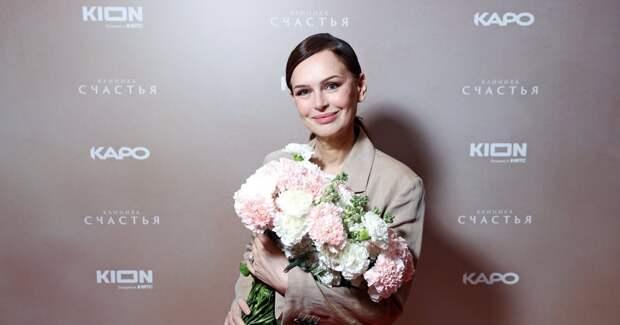 Безрукова, Водонаева, Валюшкина на премьере сериала с Мороз