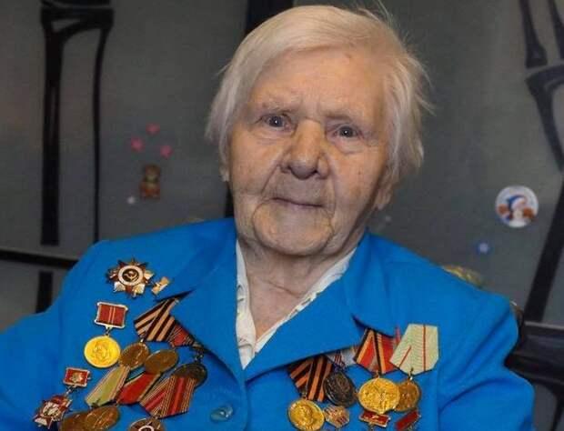«Под конец войны принимали раненых немцев»: Тамара Мозжухина из Сокола работала фронтовой санитаркой