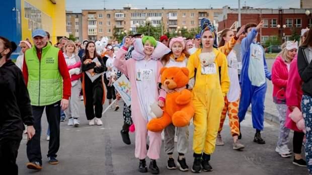 Около 200 человек приняли участие в пижамном забеге в Мурманской области