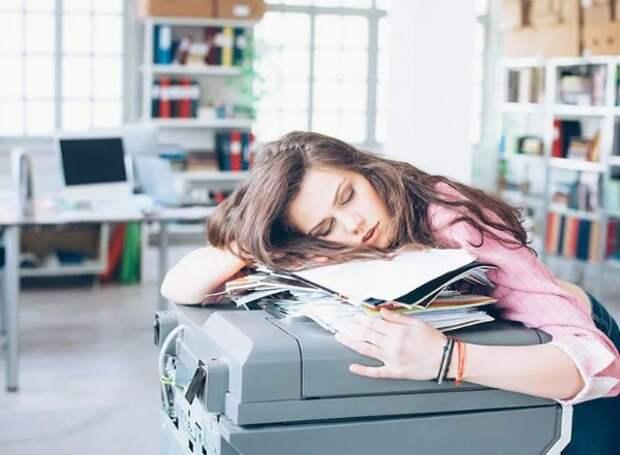 Специалисты рассказали, какие витамины помогут побороть хроническую усталость