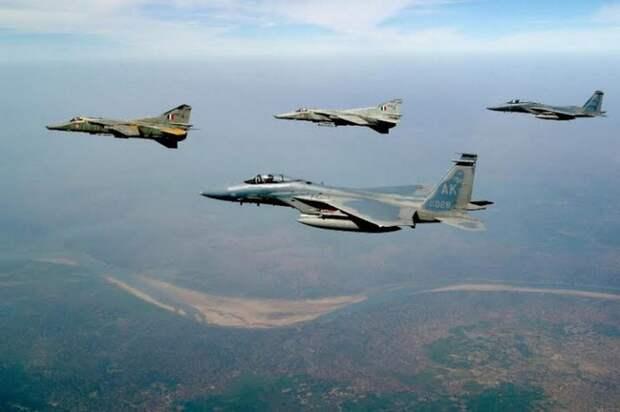 Во время показательных боёв в Индии русские истребители разгромили американские F-15С со счётом 9:1