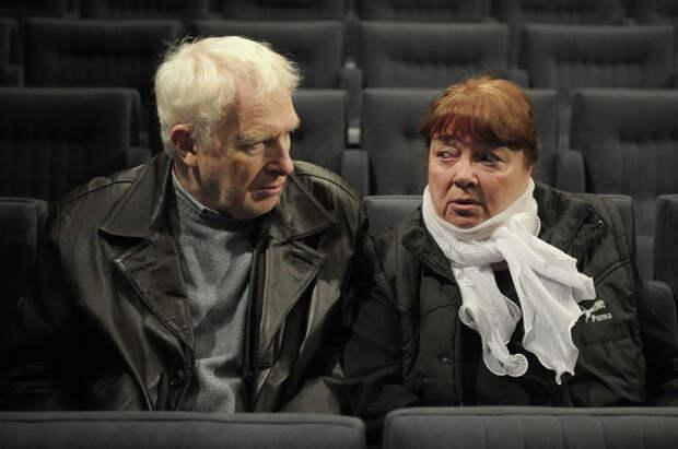 Виктор Тульчинский и Нина Дорошина во время сбора труппы Московского театра «Современник», который открывает 57-й театральный сезон.