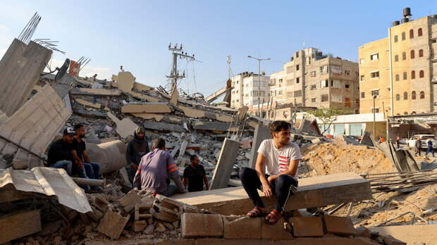 Премьер Украины поручил провести эвакуацию украинцев из сектора Газа