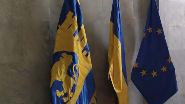Эксперт рассказал, как Вашингтон направляет антироссийскую политику Киева