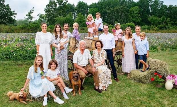 Три поколения: опубликован новый портрет королевской семьи Швеции в полном составе