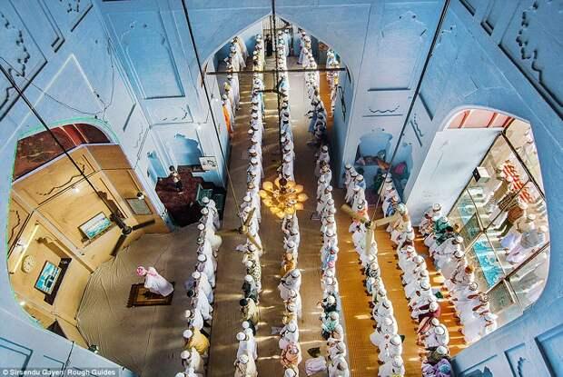 Молитва в мечети в Варанаси