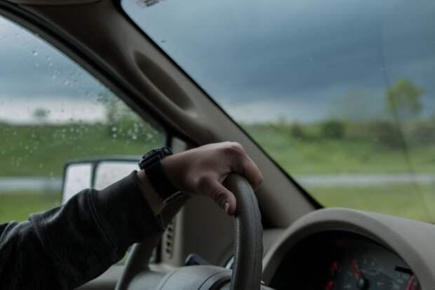 16-летнего подростка в Ижевске задержали за угон двух автомобилей
