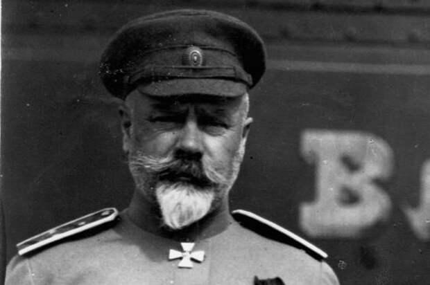 Как генерал Деникин предлагал президенту США уничтожить СССР