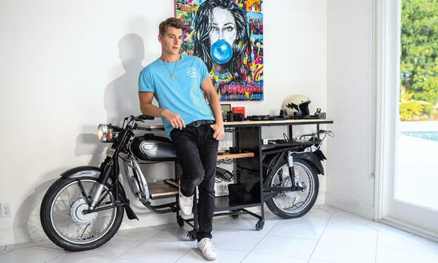 Алексей Воробьев: домашняя фотосессия в Лос-Анджелесе и интервью о переменах в жизни