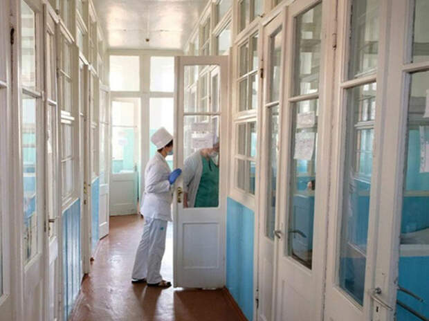 Украинские Черновцы перешли на осадное положение: в городе выявлен коронавирус