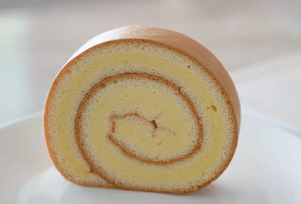 Тонкости приготовления бисквитного рулета: поход в магазин отменяется