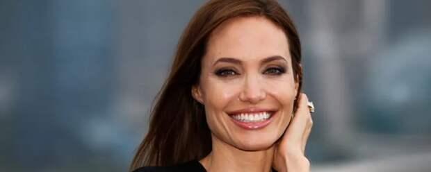 Анджелина Джоли рассказала, как ей удалось пережить тяжелую утрату