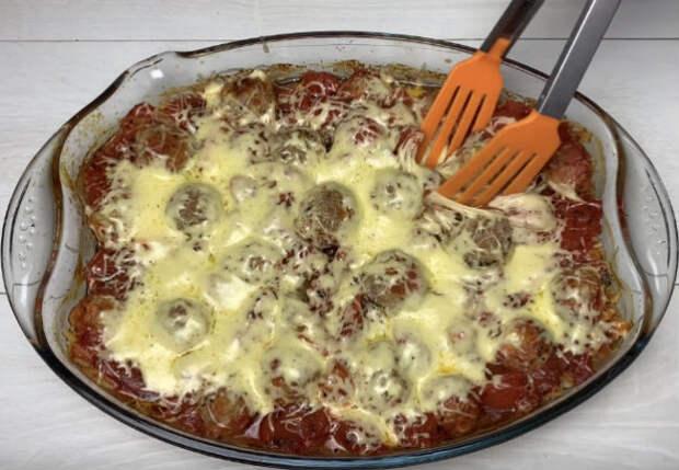 Ставим макароны в духовку: запеканка под фаршем