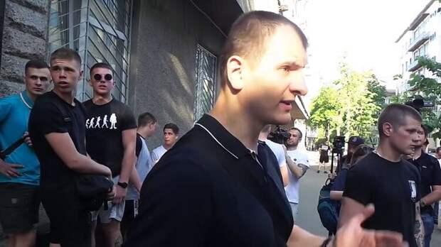 """Три """"пидозры"""" Карасю: главарь ультраправых из С14 попал под уголовные дела"""