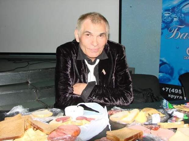 Бари Алибасова экстренно госпитализирован с передозировкой таблеток для мужской силы