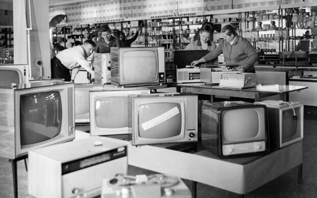 Надёжность советской техники, жалобы против спама и отравление антифризом в США