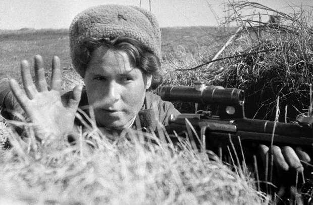 Советская женщина-снайпер