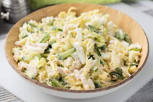 Салат из пекинской капусты с курицей. Насыщенное витаминами блюдо зарядит энергией всю семью 4