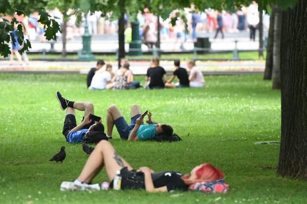 В Гидрометцентре спрогнозировали теплое начало лета