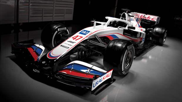 Формула-1 убрала российский флаг из календаря сезона-2021