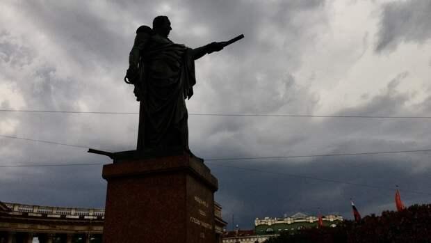 Петербург вечером 18 мая настигла мощная гроза