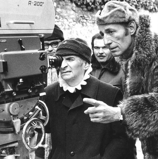 Забавный Луи Де Фюнес на съемках различных фильмов.