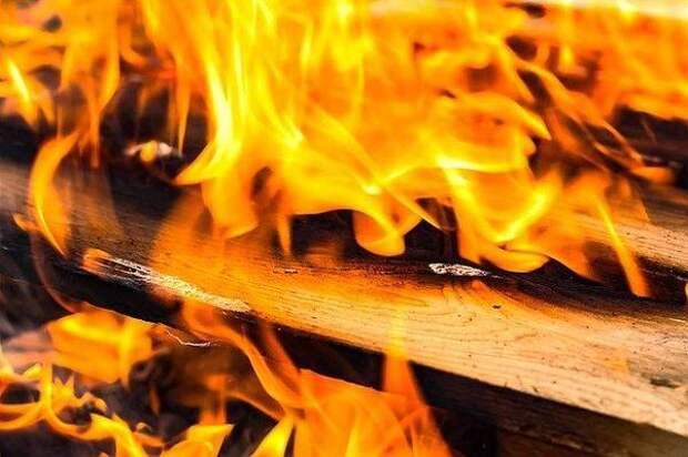С пенсионера требуют 31 млн рублей за сгоревшие дома под Новосибирском