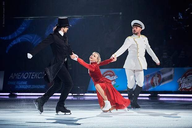 В «Анне Карениной» фигуристка Медведева встала в пару и освоила поддержки