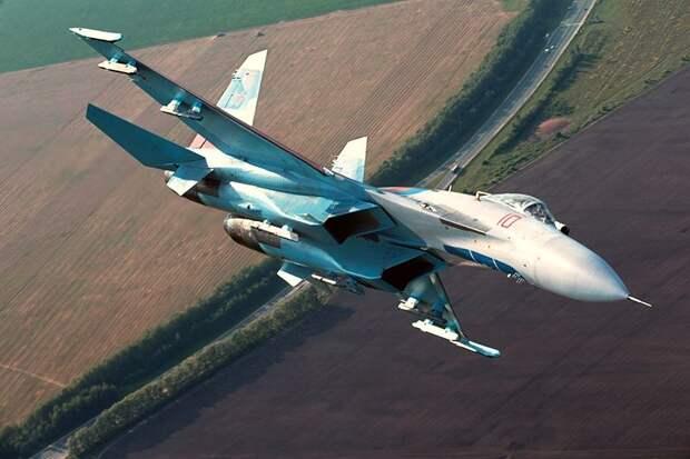 Су-27 перехватил шпионов США и Великобритании