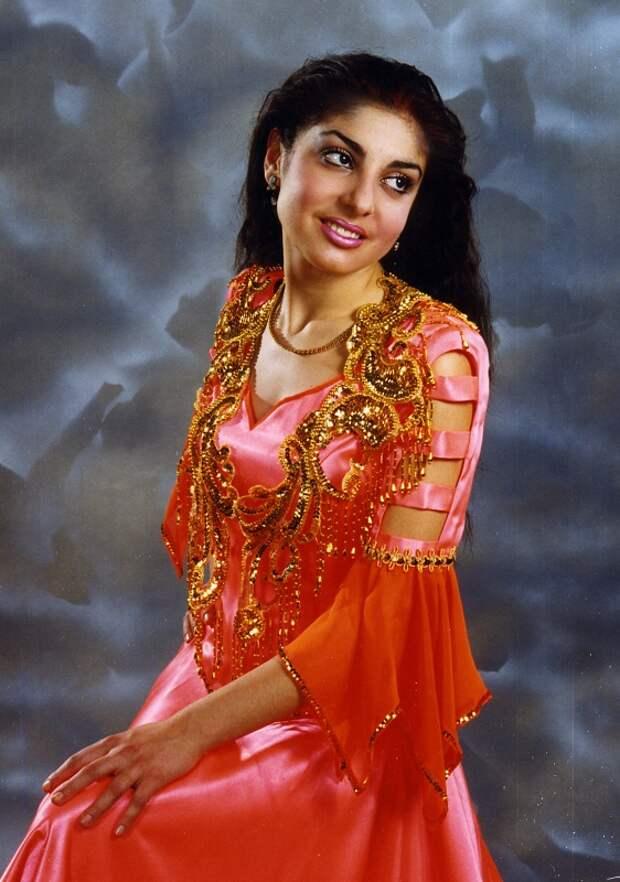 Диана Савельева в костюме цыганки фото