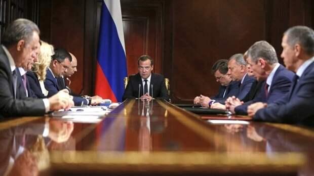 Почему меня так раздражает загар премьер-министра Медведева