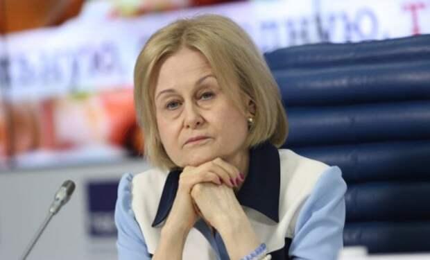 Писательница Дарья Донцова поблагодарила бога за коронавирус