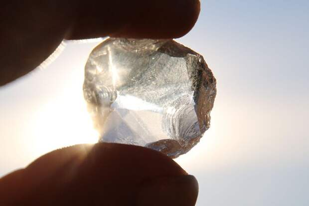 Редкий алмаз с инопланетным льдом внутри