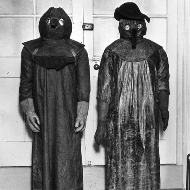 plague outfits at the Wellcome Museum in London