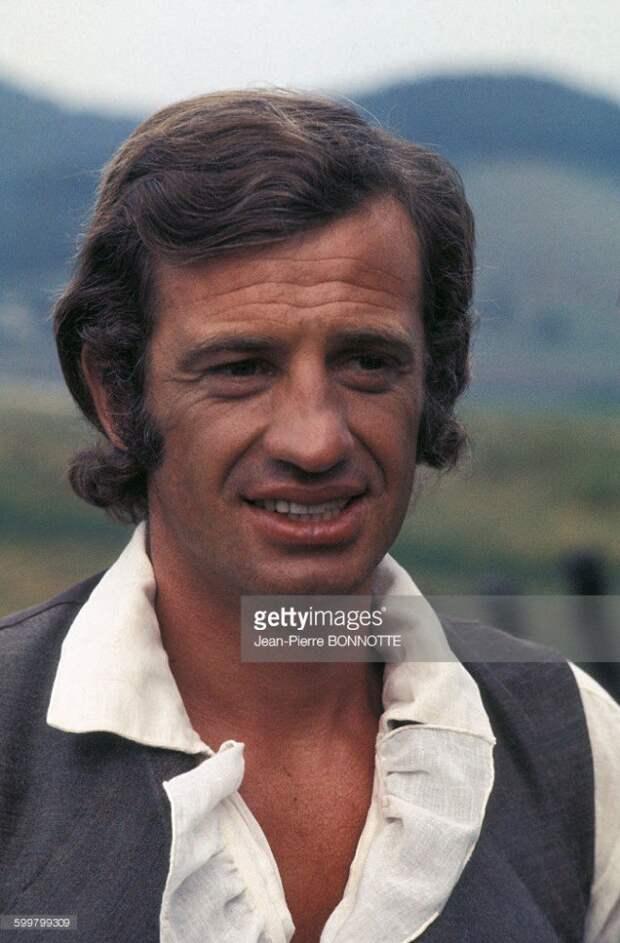 Жан-Поль Бельмондо на съемках фильма «Повторный брак». 1970 год.