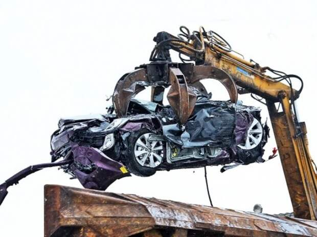 Автопроизводители возобновят продажи со скидками за счет утилизации