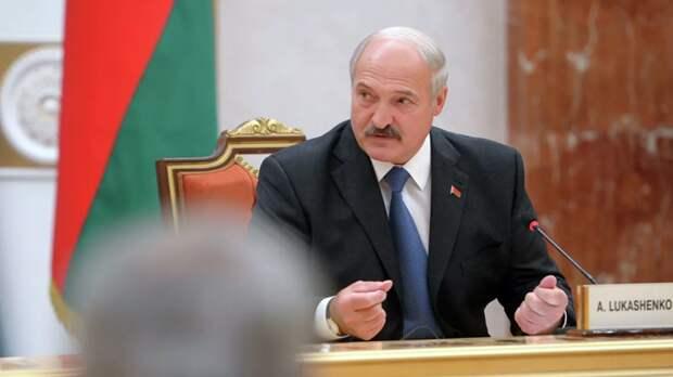 СМИ: Лукашенко не поедет в Польшу из солидарности с Путиным