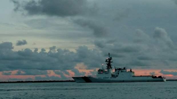 Берега попутал: США направили в Черное море катер береговой охраны
