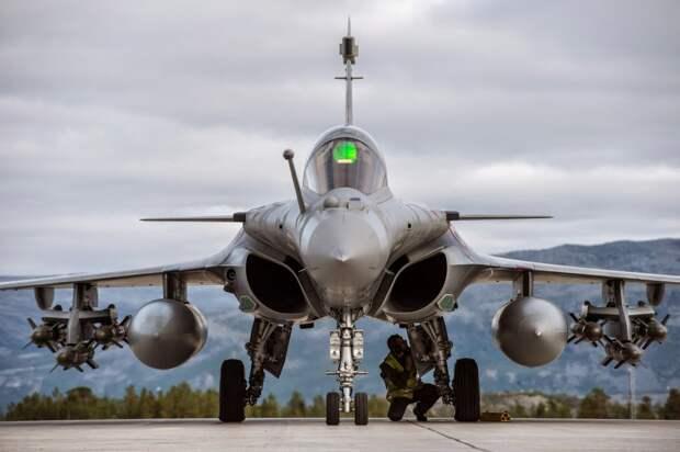 Су-35 или Rafale: у Индонезии возникли сложности с выбором истребителя