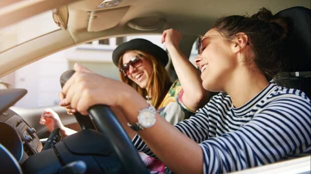 Прослушивание за рулем музыки R&B может привести к аварии