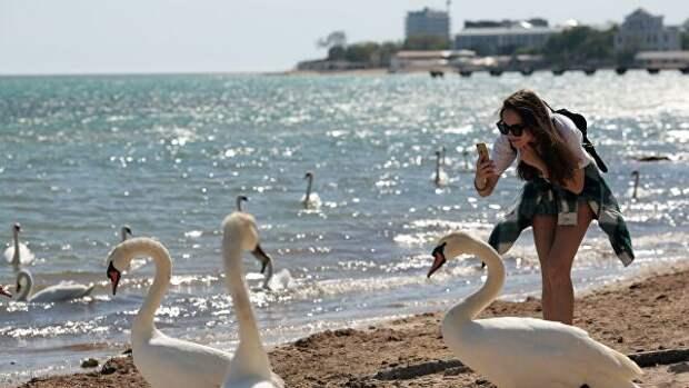 В общенациональный план действий входит поддержка сферы туризма