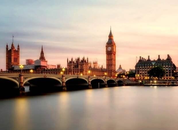 Джонсон добился промежуточного успеха - парламент одобрил досрочные выборы