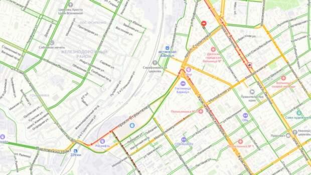 В Барнауле возникла крупная пробка из-за поломки светофора