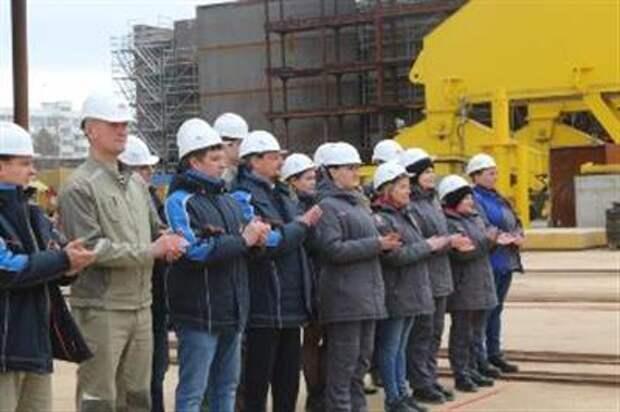 """""""Роснефть"""" заложила танкер для """"Совкомфлота"""" на комплексе """"Звезда"""""""