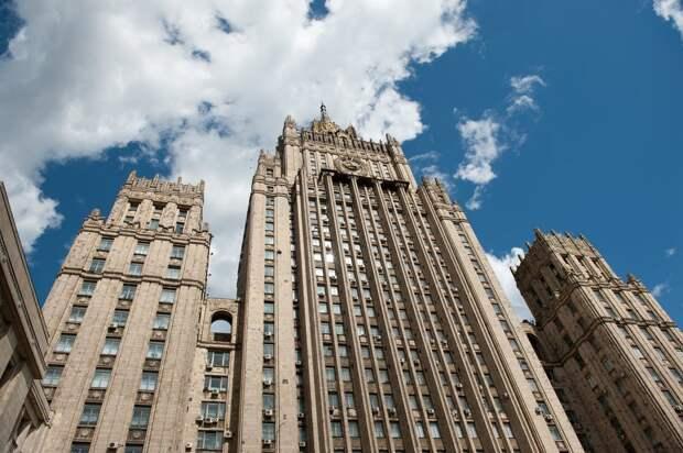 Россия высылает дипломатов Германии, Польши и Швеции за поддержку Навального