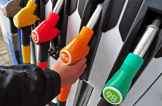 Многие автозаправки страны остались без дизельного топлива