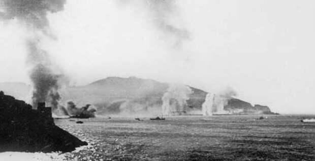 Порт под обстрелом английских кораблей