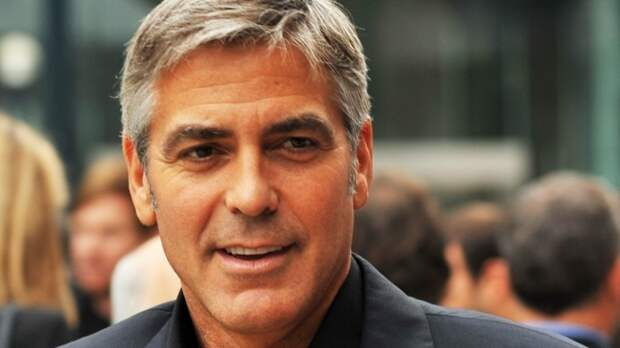 Супруга Джорджа Клуни второй раз беременна двойней