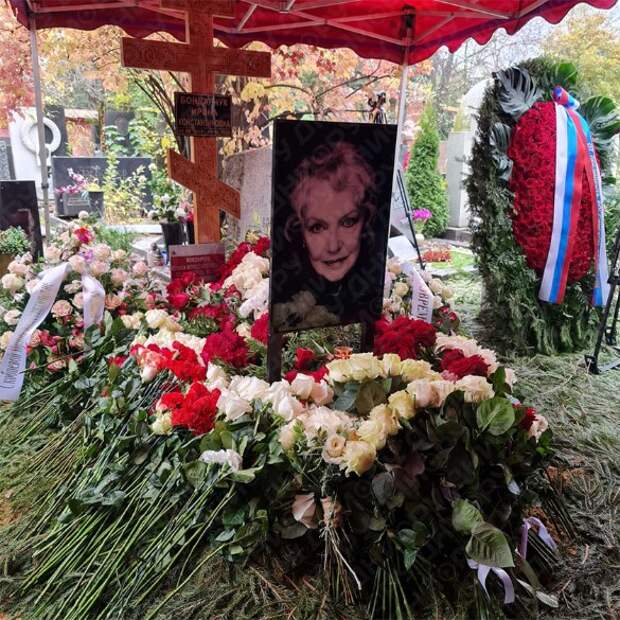 Не простила: почему Наталья Бондарчук не явилась на похороны «разлучницы» Ирины Скобцевой