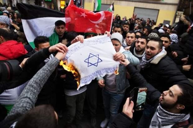 Исламский антисемитизм вФРГ— «зеркало, вкоторое никто нелюбит смотреть»